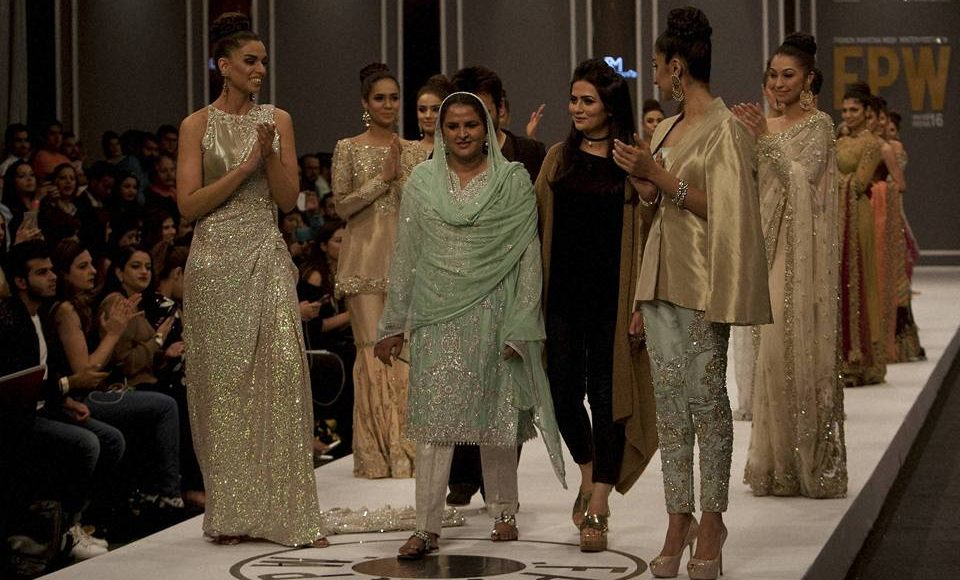 """Gang rape victim  Mukhtar Mai(Pakistani gang rape victim ),walks the fashion runway and won Hearts """"If you have a mishap, it's not the end of life."""""""