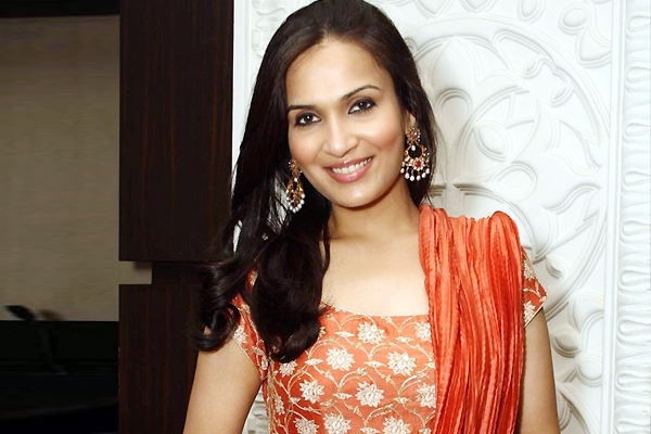 Daughter Soundarya unveils some Interesting truth about father  Rajnikanth
