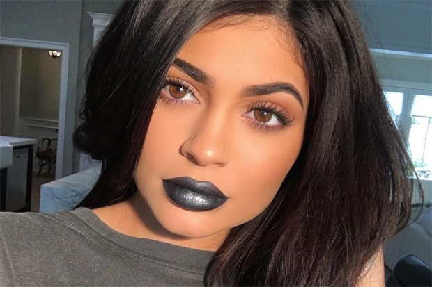 Kylie Jenner warned about her fake cosmetics in market By Mitali Merchant